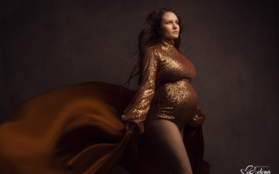 Want photos of your pregnancy but dread being in front of the camera? Read this